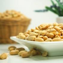 Nüsse und Saaten